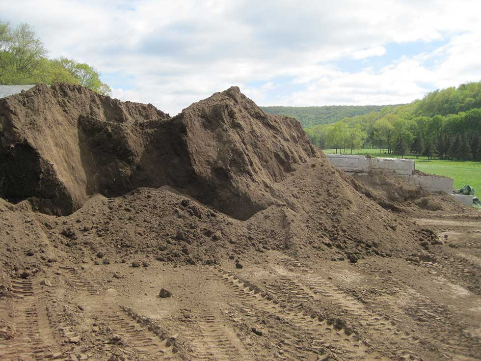 Buy topsoil our quality topsoil delivered in connecticut for Quality topsoil